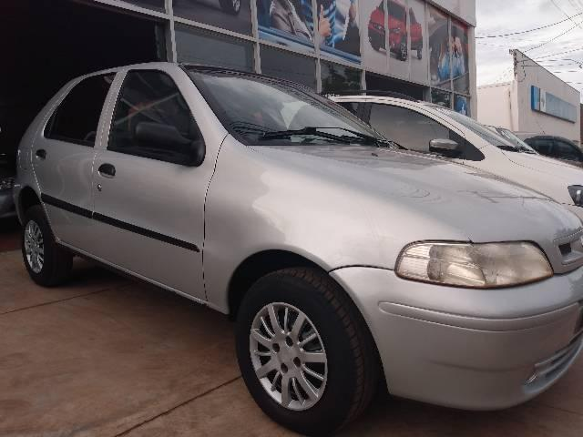 Fiat Palio com ar condicionado