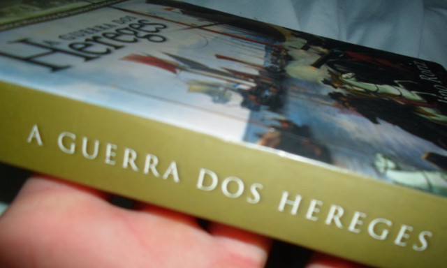 Livro A Guerra Dos Hereges - Foto 2