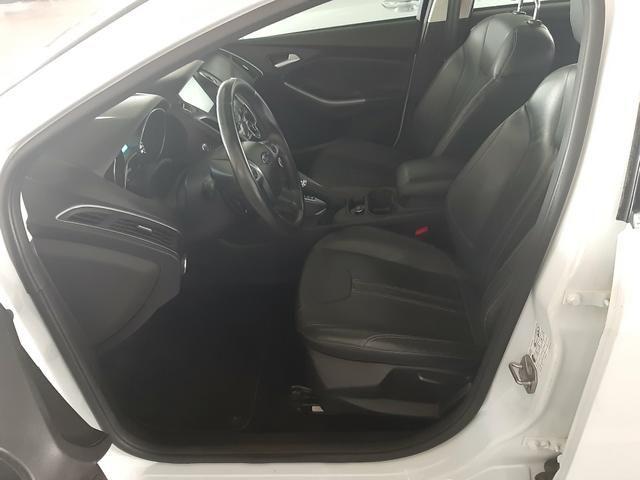 Vendo ou troco Ford Focus Sedan Titanium Automatizado 2.0 2015 77.200 km R$49.900,00 - Foto 7