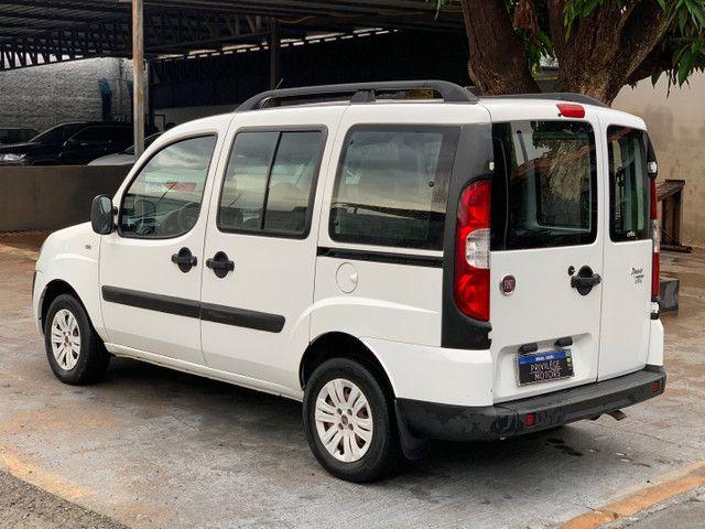 Fiat Doblò ESSENCE 1.8 2014/2014 7 LUGARES  - Foto 4