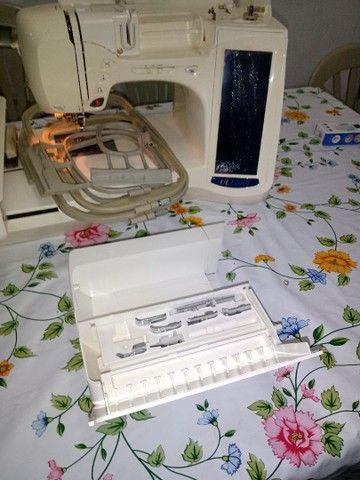 Máquina de Bordar Brother ULT 2001. R$ 1.000,00 reais fora frete. - Foto 5