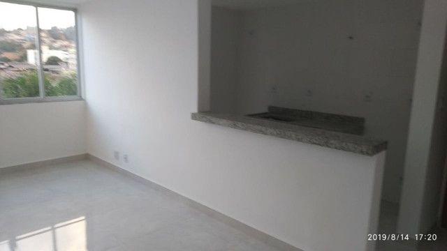 Apartamento B. Caravelas. COD A203. 2 qts/suíte, elevador,69 m². Valor 200 mil - Foto 4
