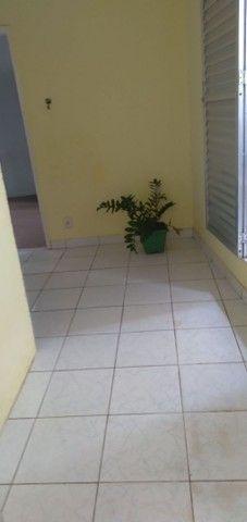 ALUGO CASA EM ITAPUÃ  - Foto 2