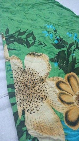 Vestido verde estampa floral - Foto 2