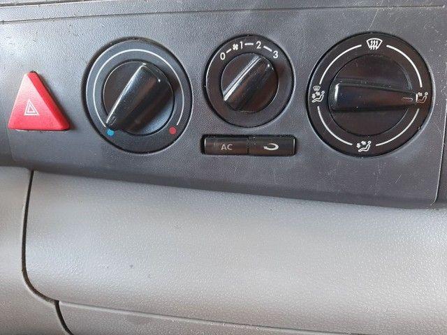 Volkswagen 19-320 2008/2008 cabine leito teto alto 4X2 completo único dono motor novo - Foto 14