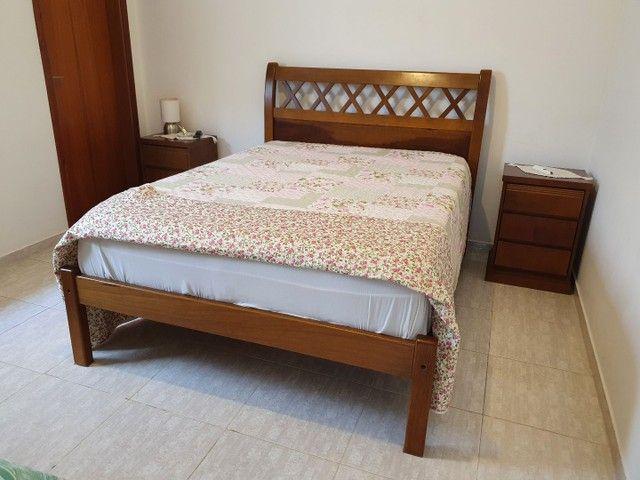 Cama madeira maciça casal + colchão Viscomemory Ortobom.  - Foto 2
