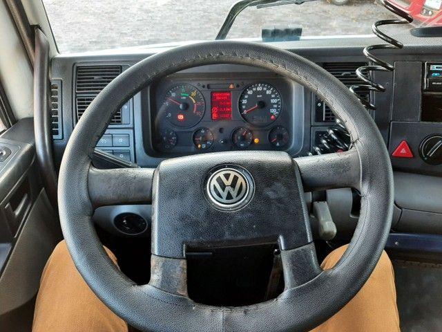 Volkswagen 19-320 2008/2008 cabine leito teto alto 4X2 completo único dono motor novo - Foto 11
