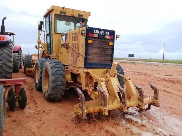 Motoniveladora Caterpillar, modelo 140K, ano 2010, com 6571 horas - Foto 3
