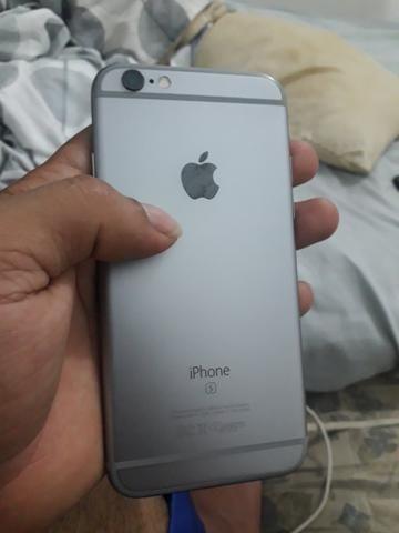 V/T iPhone 6s 64gb com caixa semi novo - Foto 2