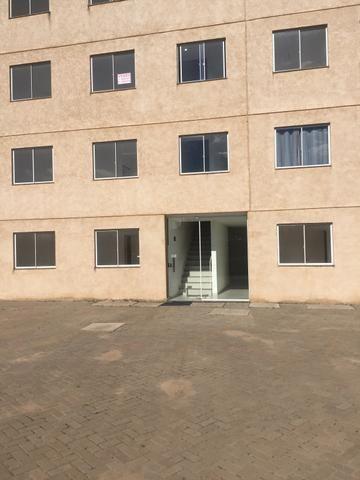 Alugo Apartamento 2 quartos, sala, cozinha, vaga de garagem - Foto 7