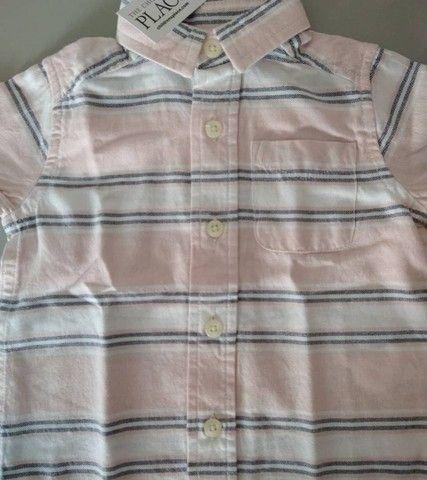 Blusa de botão importada para bebê (Nova, com tag) - Foto 2