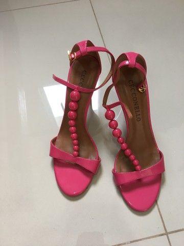 Sandália rosa marca ceccollo