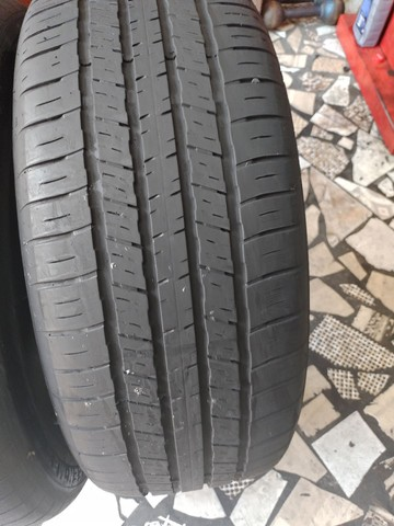 2 pneus aro 18 215/55/18 seminovo