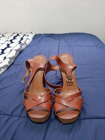 Sandálias seminovas 37 - R$20,00 cada - Foto 3