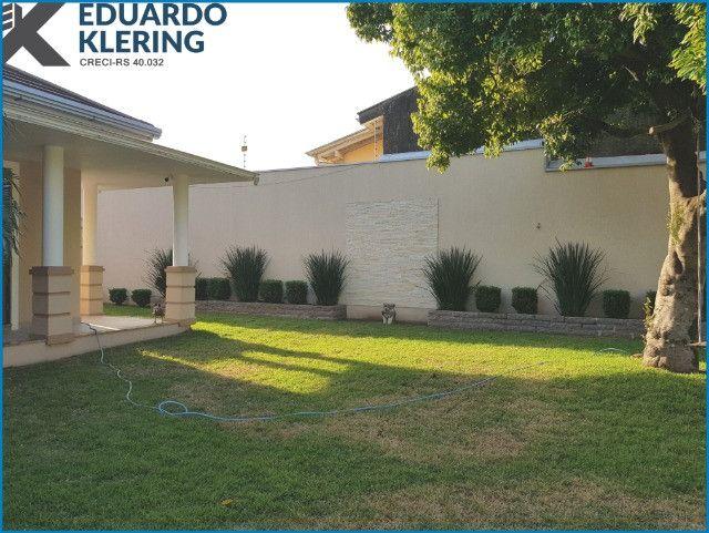 Casa de Alto Padrão, com 3 dormitórios, 3 banheiros, jardim com piscina, 399,48m² - Foto 5