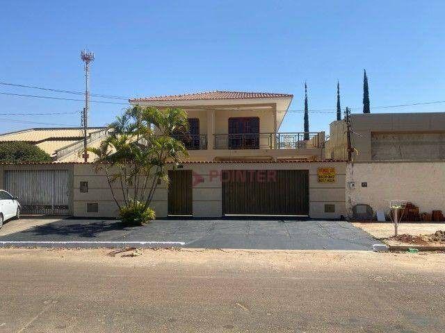 Sobrado com 4 dormitórios à venda, 353 m² por R$ 890.000,00 - Jardim Europa - Goiânia/GO