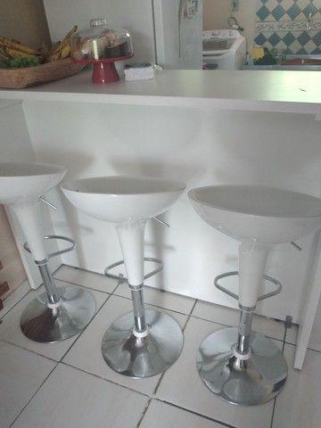 Mesa balcão de 1.50cm e 3 cadeiras bar