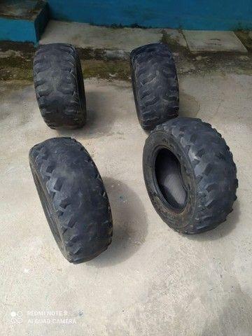 Jogo de pneus para quadriciclos