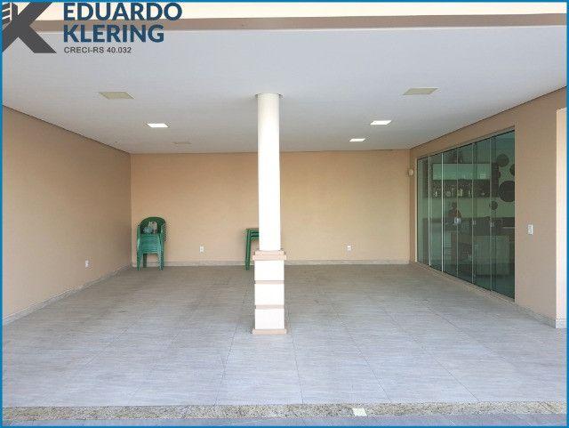 Casa de Alto Padrão, com 3 dormitórios, 3 banheiros, jardim com piscina, 399,48m² - Foto 20