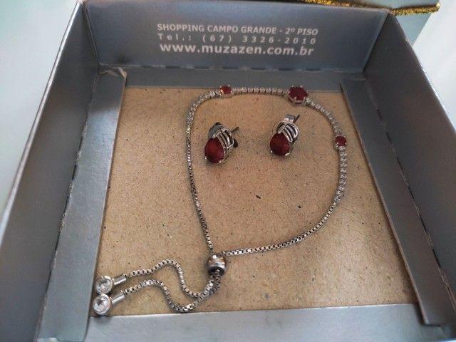 Conjunto pulseira + brincos em gota, cravejada com zircônia e pedra rubi (vermelha). - Foto 2