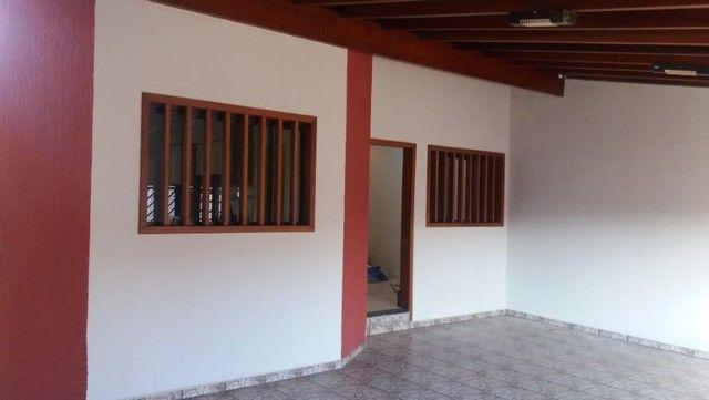 Vende-se Casa Térrea no Wanel Ville 5