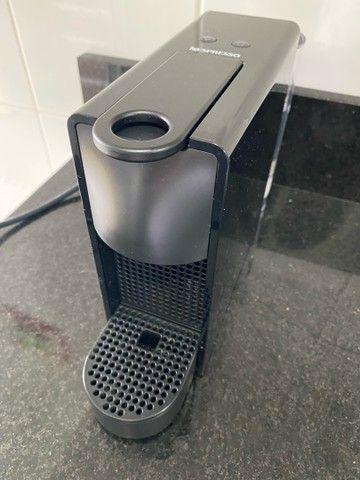 Máquina De Café Nespresso Essenza Mini Preta