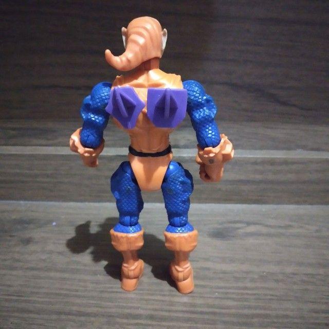 Bonecos Marvel original que troca partes do corpo e peças  - Foto 2
