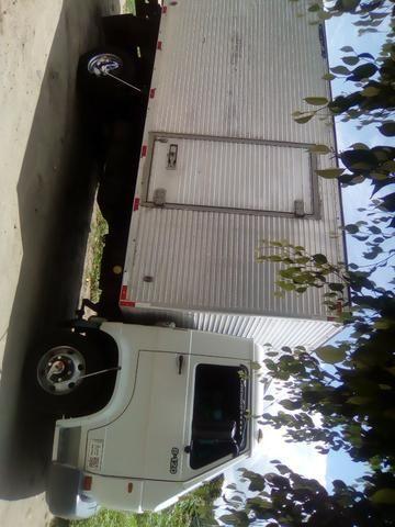 Caminhão baú 8120 - Foto 3