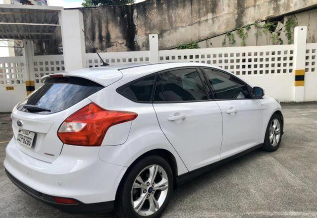 Focus Hatch, completo, sem mossas ou arranhões. Preço diferenciado! OPORTUNIDADE! - Foto 4