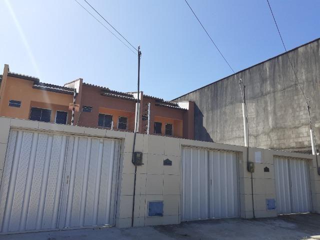 Mondubim - Casa Duplex de 100m² com 2 quartos e 03 vagas
