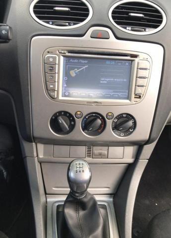 Vendo Focus 1.6 Hatch COMPLETO + multimídia - Foto 6