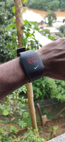 Relógio Digital Da Nike A Prova D'agua Com Pulseira regulável. - Foto 2