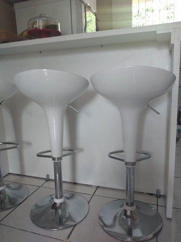 Mesa balcão de 1.50cm e 3 cadeiras bar - Foto 2