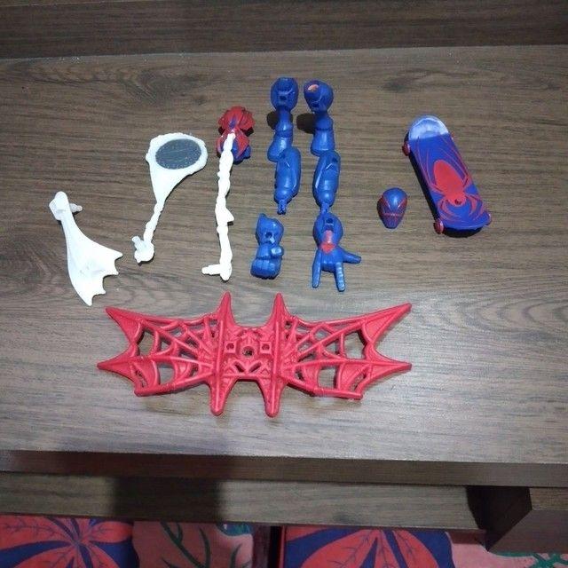 Bonecos Marvel original que troca partes do corpo e peças  - Foto 5
