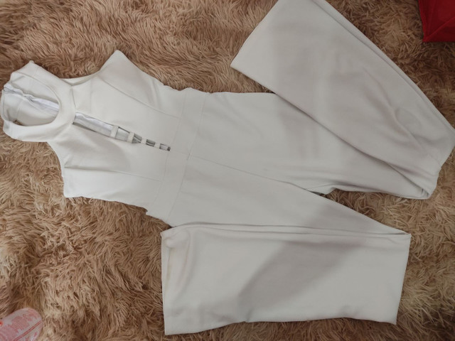 Vende - se roupas usadas poucas vezes - Foto 6