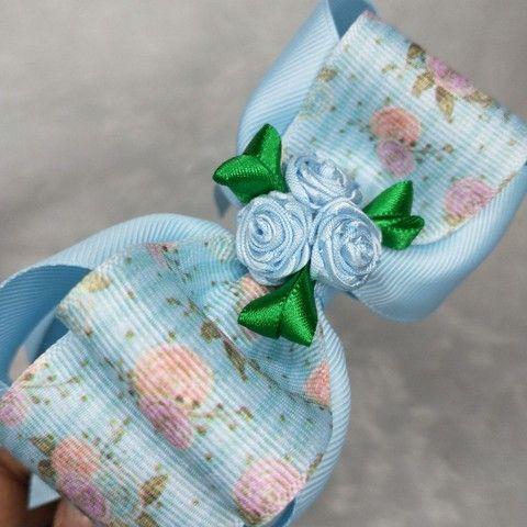 Tiara de Cabelo Laço Floral Boutique Embutido  - Foto 4
