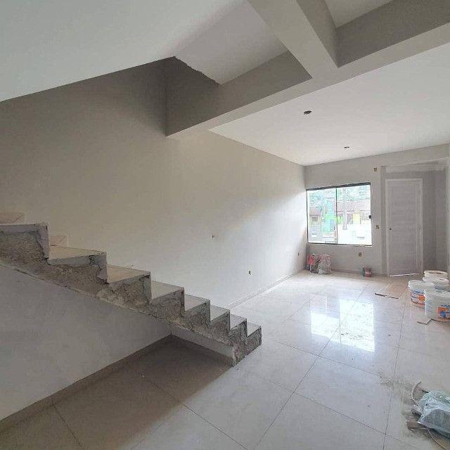 (TH943) Excelente Duplex com ótima localização em Forquilhas - São José