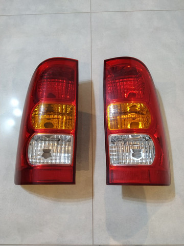 Lanterna Traseira Hilux 2009 a 2011 (Par) ORIGINAL TOYOTA