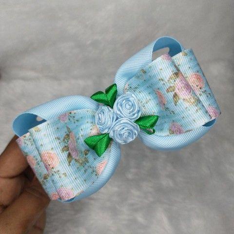 Tiara de Cabelo Laço Floral Boutique Embutido  - Foto 2