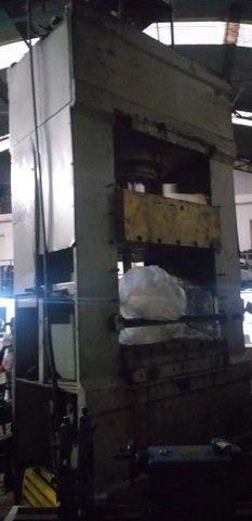 Prensa Hidráulica, Capacidade 250 Ton Mesa : 1200mm X 1200mm - Foto 3