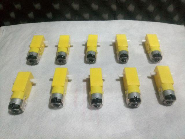 Vendo 10 Motores com caixa de redução de 3 A 6 volts para robótica e Arduino - Foto 3