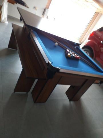 Mesa com 4 Pés Cor Imbuia Tecido Azul Mod. XBMU7106