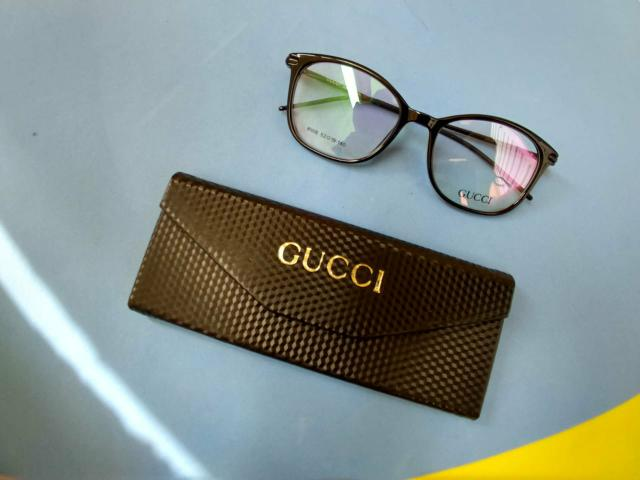 604dc5c14484e Gucci redondo quadrado unissex armação óculos - Bijouterias ...