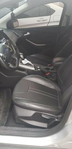 Ford New Focus 2.0 - Foto 16
