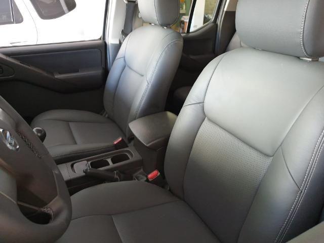 Nissan Frontier 2.5 XE 4x2 Diesel 2013 - Foto 10