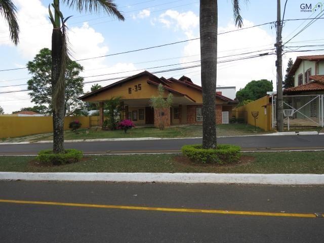 Casa em excelente localização, na avenida principal do condomínio vivendas bela vista, óti