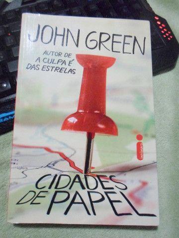 Livro Cidades de papel - John Green