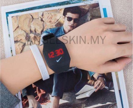 Relógio Digital Da Nike A Prova D'agua Com Pulseira regulável. - Foto 3