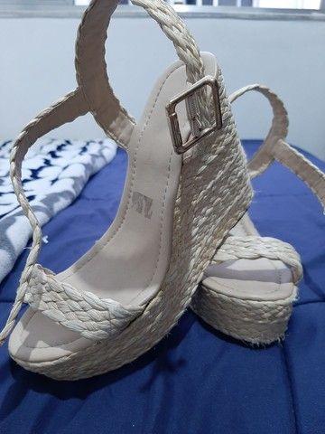 Sandálias seminovas 37 - R$20,00 cada - Foto 2
