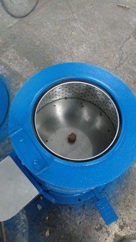 Centrifuga de roupas em aço inox cap 6 kg seco 12 kg molhado - Foto 2